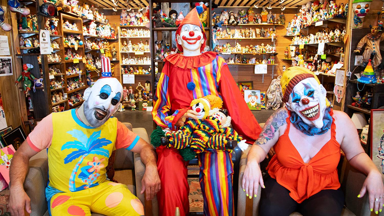 Weird Clowns in Nevada Store