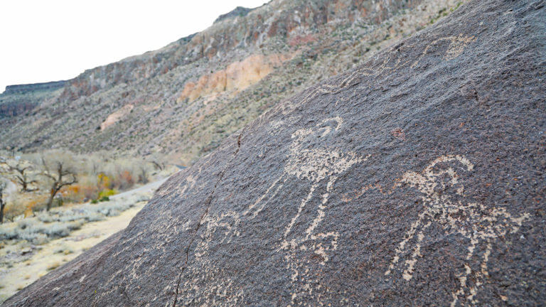 rainbow canyon petroglyphs