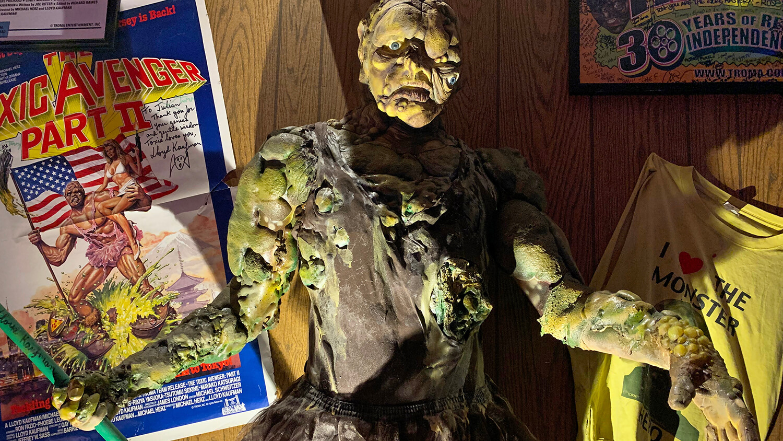 tom devlins monster museum