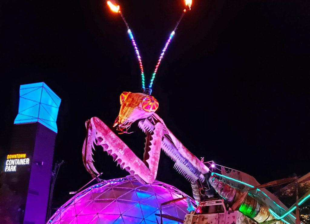 Nevada Art, Burning Man Art, Art and Culture, Vegas Burning Man Art, Burning Man Art in Vegas, Container Park Mantis